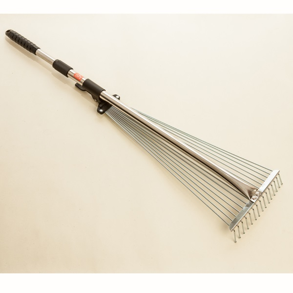 Japanese adjustable garden rake
