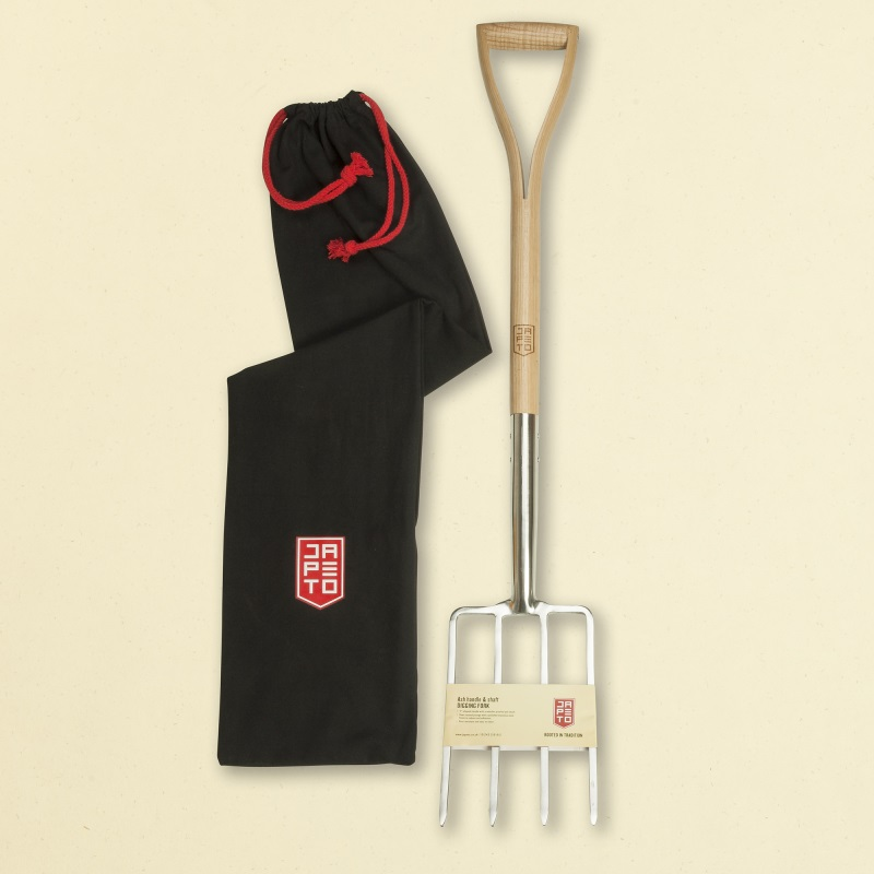 Garden fork with ash shaft & handle